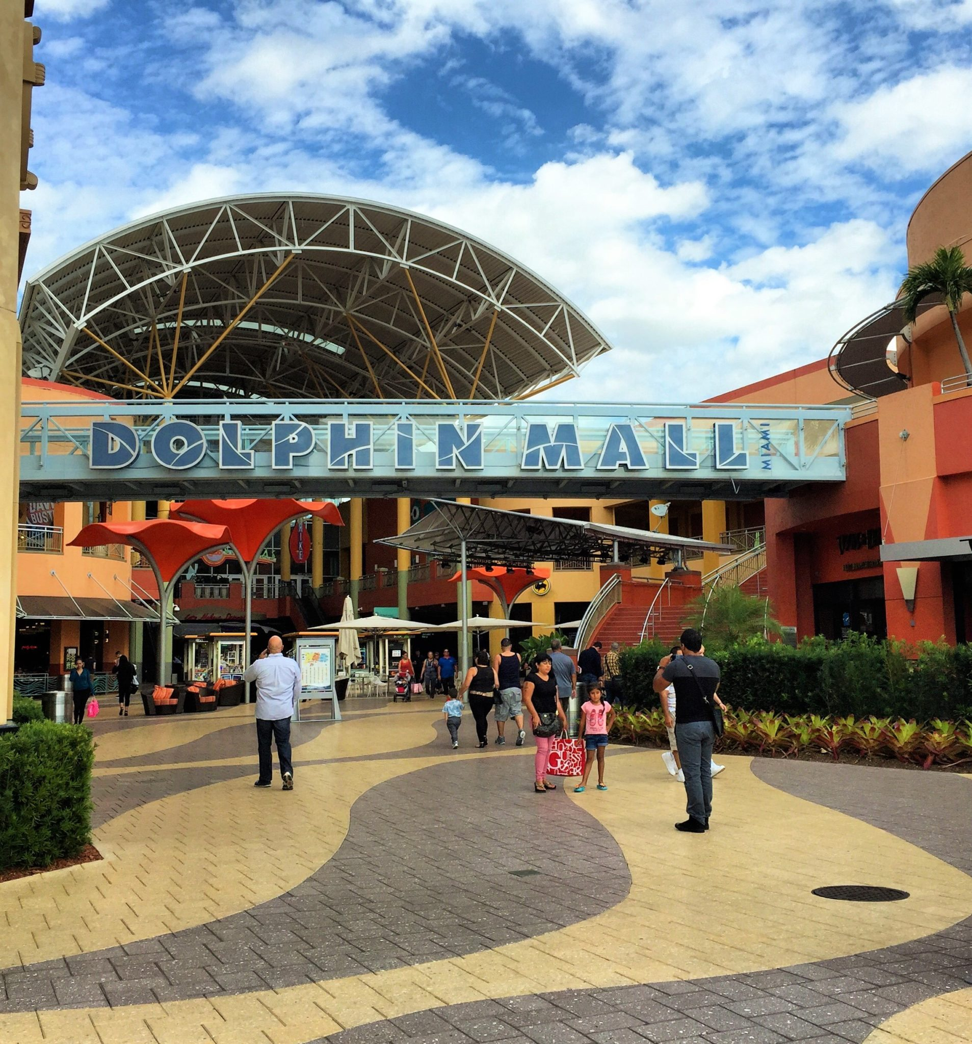 b2346d96fd7eb Compras em Miami  13 opções de Outlets a Shoppings de luxo!